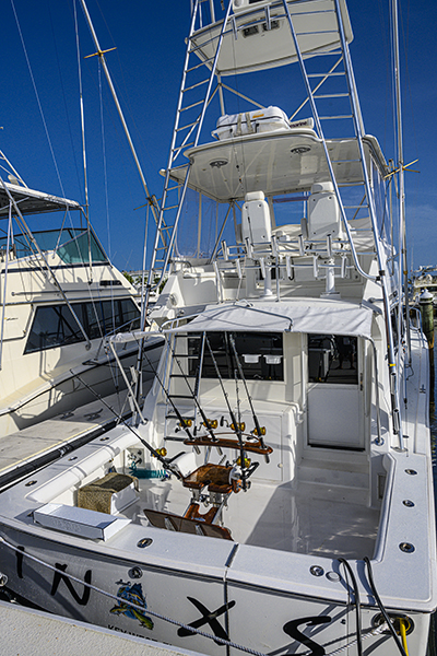 cockpit, 47 ft viking, sport fishing boat, deep sea fishing, fighting chair, fly bridge